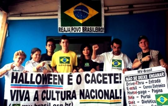 Movimento nacionalsta MV Brasil protestando pela cultura nacional. Será que a agressão é o caminho?